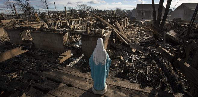 Krajobraz po huraganie Sandy, Nowy Jork, USA. Autor: Scott Eells,
