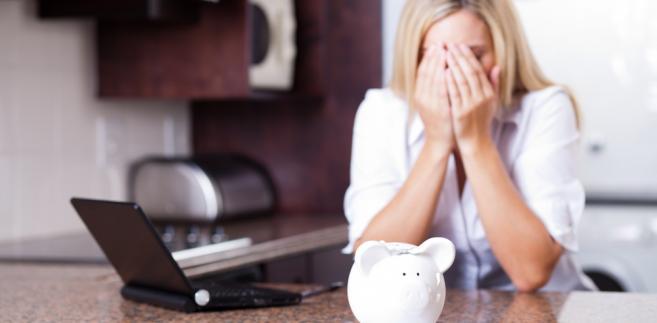 kredyt, finanse, kobieta. długi