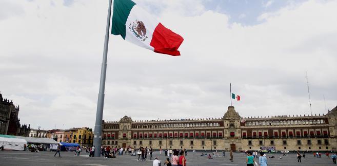 Zocalo Plaza z Pałacem Gubernatorskim