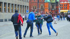 Firma Luxoft, rozdając pączki, szukała na ulicach dużych miast informatyków agencja gazeta