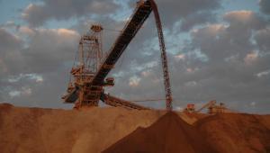 Maszyny w kopalni odkrywkowej węgla brunatnego w Bełchatowie. Zostanie zalana do 2050 r. Foto: Klimek