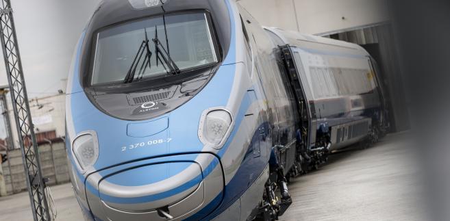 Pnedolino wyjeżdża z hali, fot. Alstom
