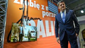 Janusz Palikot w swoim sztabie podczas wieczoru wyborczego w Warszawie