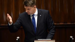 Lider Nowoczesnej Ryszard Petru przemawia podczas debaty nad expose w Sejmie.