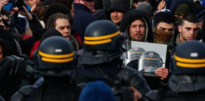 Zamieszki w trakcie ewakuacji obozu pod Calais