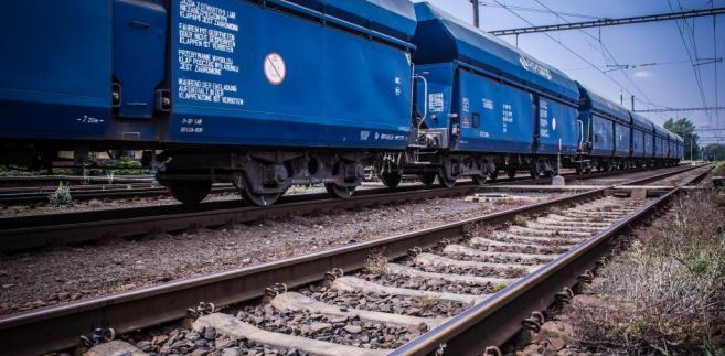 PKP Cargo - pociąg złozony z węglarek