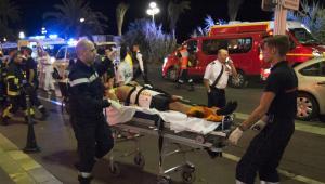 Nicea: Zamach terrorystyczny podczas obchodów Dnia Bastylii.