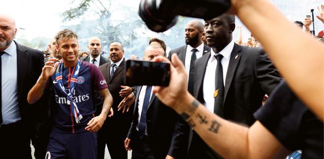 Neymar już w stroju Paris Saint-Germain, 4 sierpnia 2017 r.