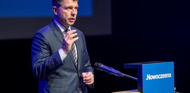 Poznań, 21.10.2017. Lider Nowoczesnej Ryszard Petru podczas spotkania. Konwencja regionalna Nowoczesnej odbyła się w Poznaniu, 21 bm.