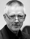 Romuald Krajewski wiceprezes Naczelnej Izby Lekarskiej. Pracował nad projektem odszkodowań dla pacjentów