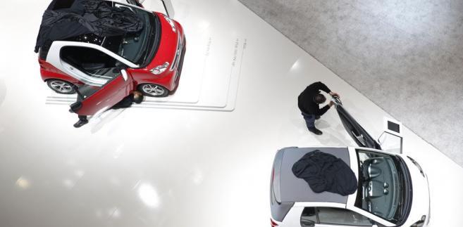 Dwa Smarty na stoisku firmy Daimler AG