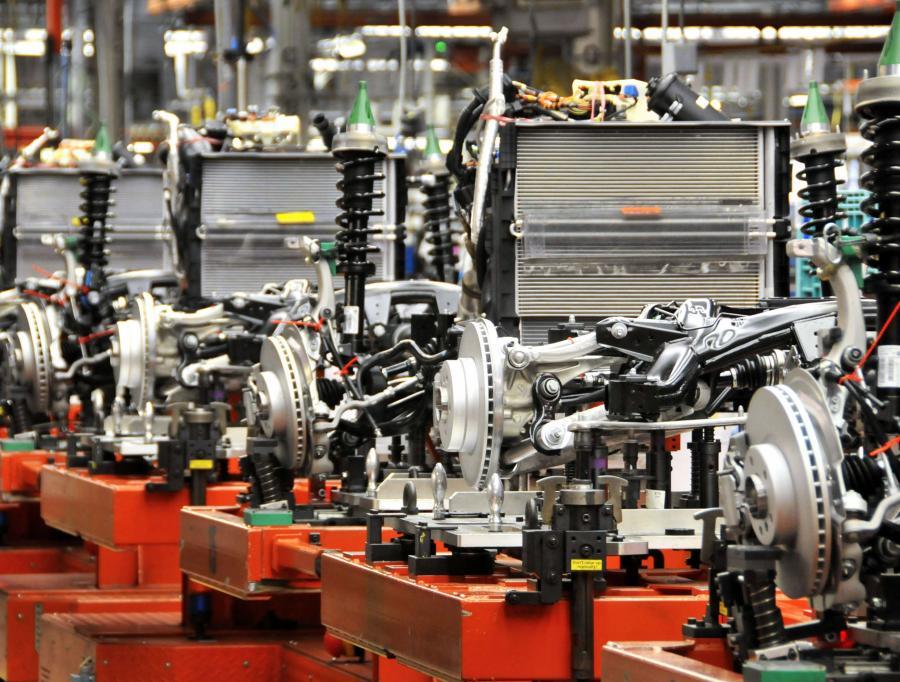 Tańsze zamienniki zwiększyły obroty niezależnych dystrybutorów.