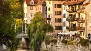 Średniowieczne domy nad brzegiem Ljubljanicy