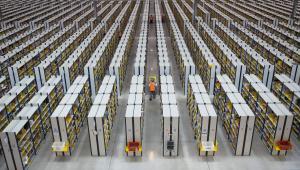 Jeden z magazynów firmy Amazon w Rugeley w Wielkiej Brytanii