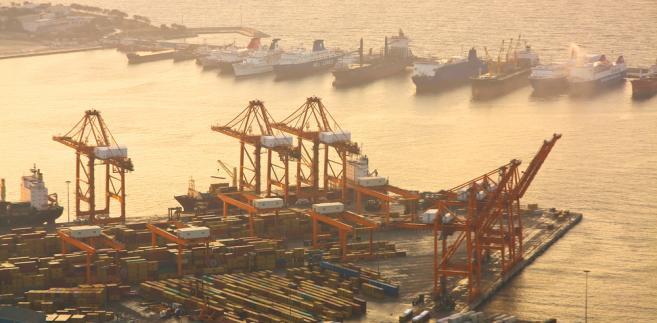 Port w Pireusie, Grecja.