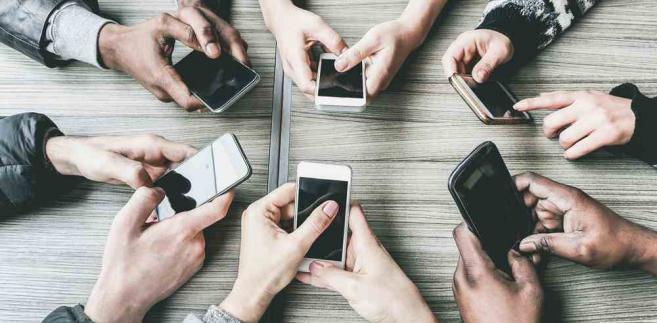 Internet, smartfony