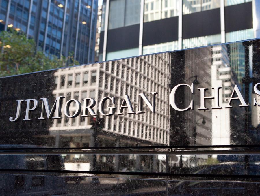 JPMorgan, jedyny bank w Stanach Zjednoczonych, który nie notował strat w trakcie kryzysu finansowego, zwiększa bonusy członkom komitetu operacyjnego