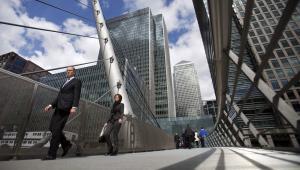 Canary Wharf, konkurujące z City do miana centrum finansowego świata w Londynie. W przeciwieństwie do City jest to jednak tylko kompleks budynków, za to znajdują się na jego terenie jedne z najwyższych drapaczy chmur w kraju.